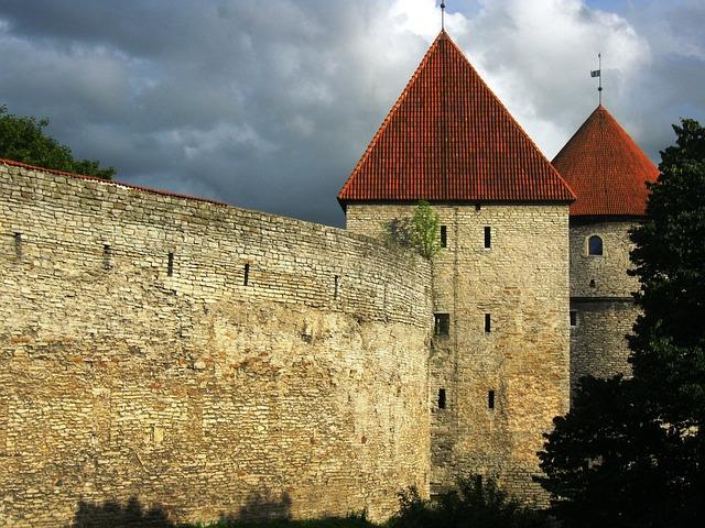 castle-784528_640